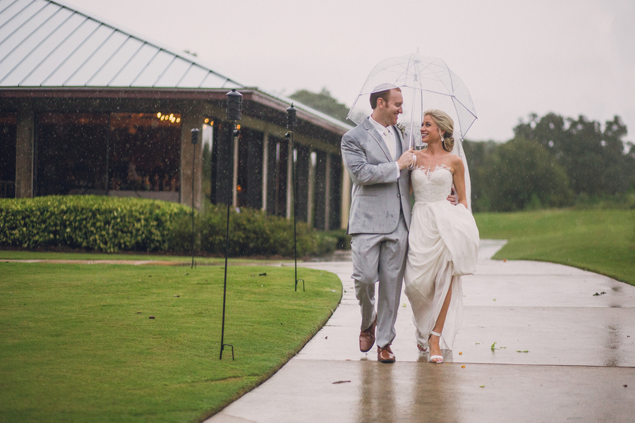 romantic rainy wedding