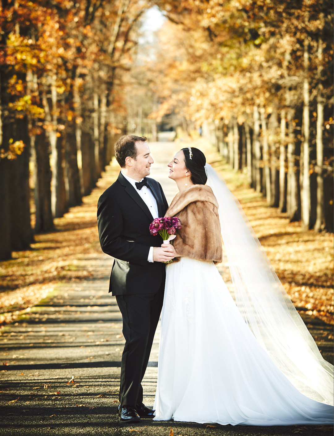 fall woodsy wedding